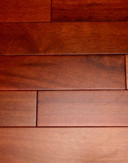درب چوبی ساختمان گیلاس ساختمونی ها